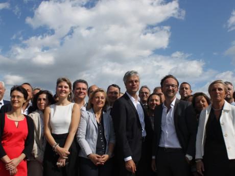 Laurent Wauquiez, entouré d'élus de sa majorité à la Région - LyonMag