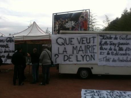 La mobilisation dimanche des marchands au stade de Gerland - LyonMag.com