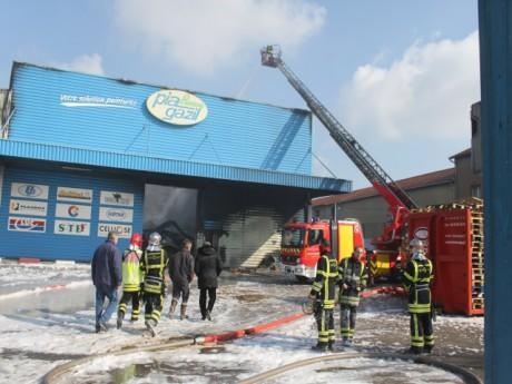 Les pompiers étaient encore sur place vendredi - LyonMag