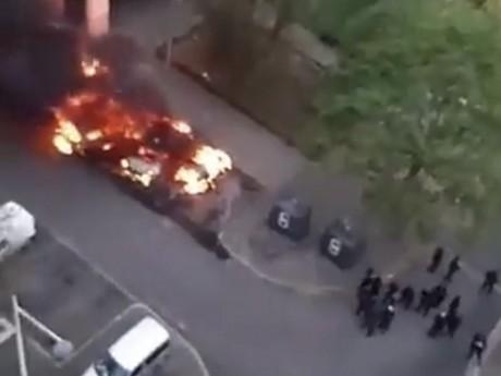 Des poubelles et des voitures ont été incendiées - DR