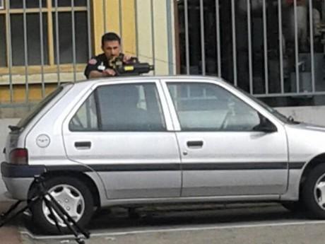 La voiture a été sauvée de justesse - LyonMag