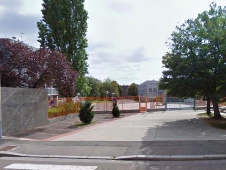 L'entrée du Collège Lamartine à Villeurbanne - DR