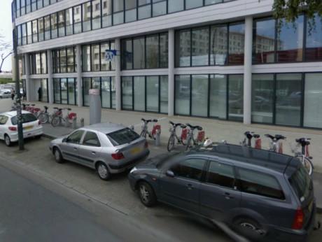 L'endroit du cours Emile Zola à Villeurbanne où les coups de marteau ont été portés - Google Maps