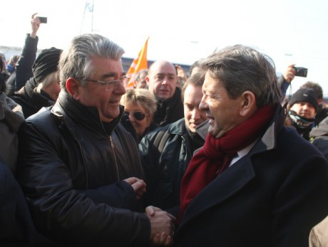 André Gerin et Jean-Luc Mélenchon mardi matin devant le site d'Arkéma Saint-Fons - LyonMag