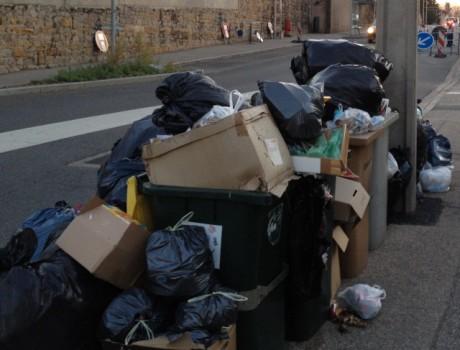 Certaines poubeles déborderont encore quelques jours - Photo LyonMag