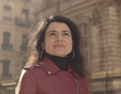 Nathalie Perrin-Gilbert, dans l'une de ses rares apparitions dans son clip de campagne - Capture d'écran DR