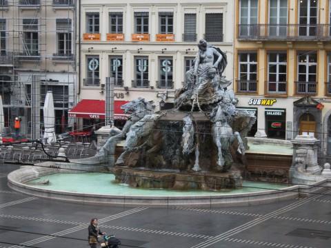 La fontaine de la place des Terreaux - LyonMag