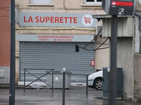 La supérette devant laquelle la victime a été victime de la fusillade - LyonMag