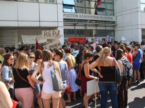 Les manifestants ce vendredi matin - LyonMag