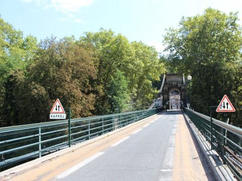 Le pont de l'Ile Barbe à Lyon - Lyonmag.com