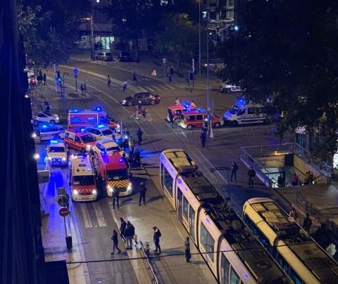 Les secours et les forces de l'ordre étaient rapidement sur place car le couvre-feu allait démarrer - LyonMag