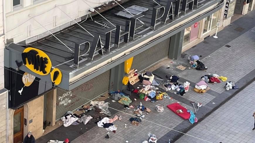 Lyon : relogés, les SDF de la rue de la Ré laissent l'artère dans un état déplorable