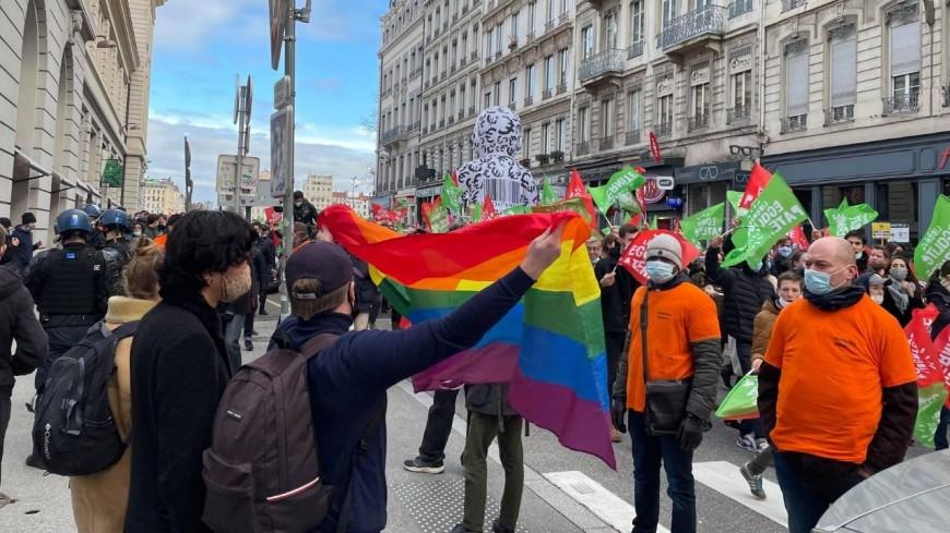 Lyon : 1250 personnes pour la manifestation contre le projet de loi bioéthique, des tensions entre pros et antis PMA/GPA
