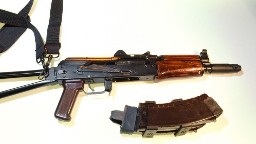Lyon : un plombier découvre par hasard des armes dans un faux plafond