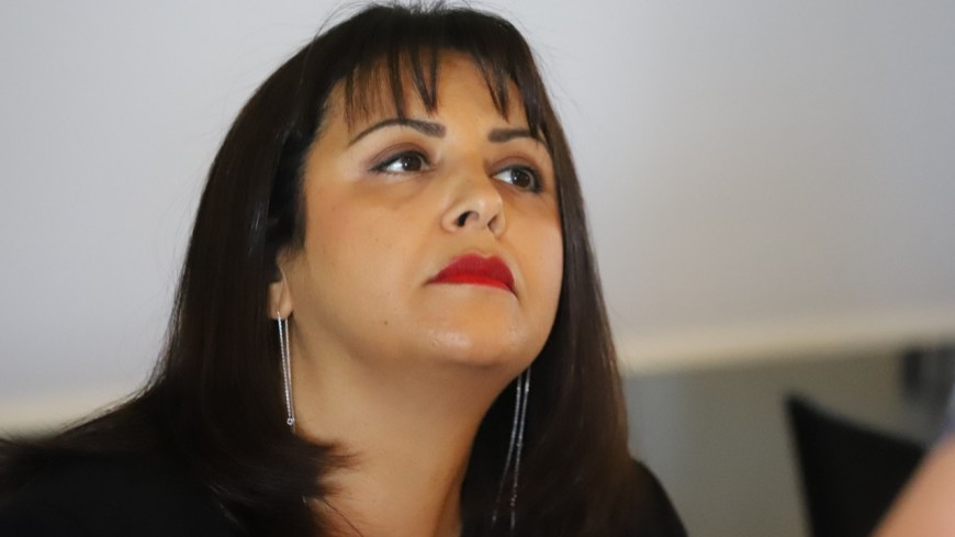 """""""Quand les maires EELV font rimer démocratie avec hégémonie"""" : Fouziya Bouzerda co-signe une tribune dénonçant les agissements des Verts"""