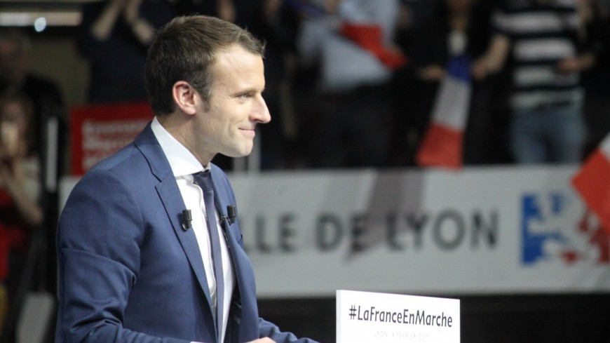 """Menu sans viande à Lyon : Emmanuel Macron prône """"un modèle complet d'alimentation"""""""
