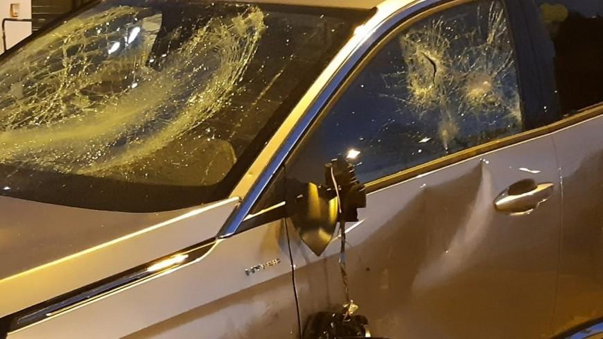 Le maire de Bron attaqué, son véhicule fortement endommagé