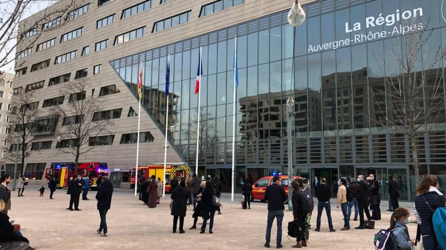 Lyon : odeur suspecte à l'Hôtel de Région, gros déploiement de pompiers