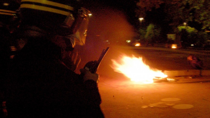 Bron : caillassés, les policiers répliquent avec du gaz lacrymogène