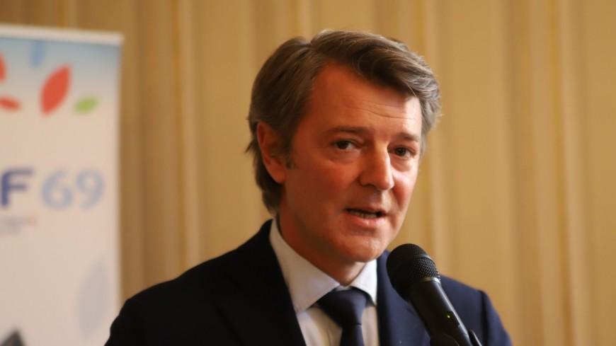 """""""Attaquer un maire, c'est attaquer la République"""" : François Baroin au chevet des maires menacés de la Métropole de Lyon"""