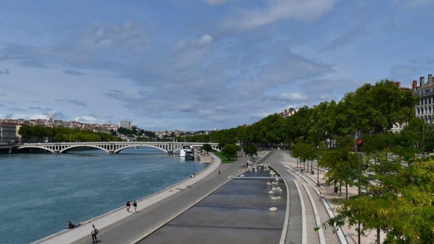 """Les """"sites très fréquentés"""" pourront rester ouverts ce week-end à Lyon"""