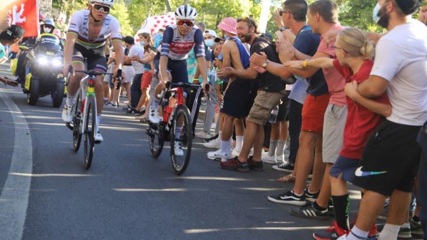 Les cyclistes du Paris-Nice font étape dans le Rhône ce mercredi