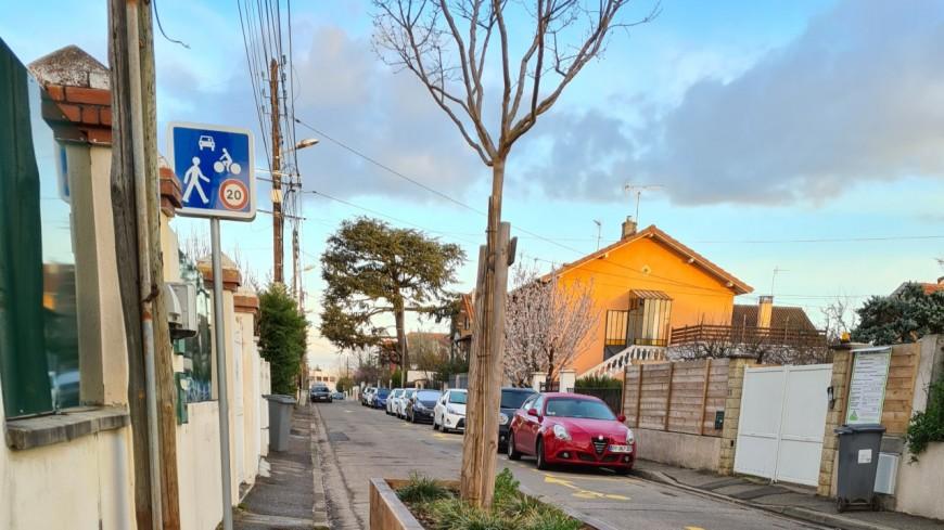 Favoritisme ou sécurité ? Le passage d'une rue en sens unique crée de vives tensions à Sainte-Foy-lès-Lyon