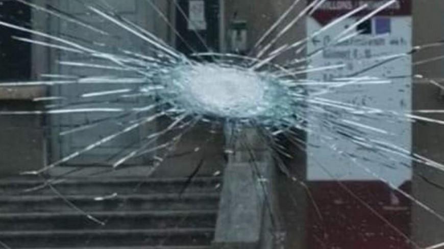 Lyon : des projectiles lancés sur les policiers depuis un immeuble  à la Duchère