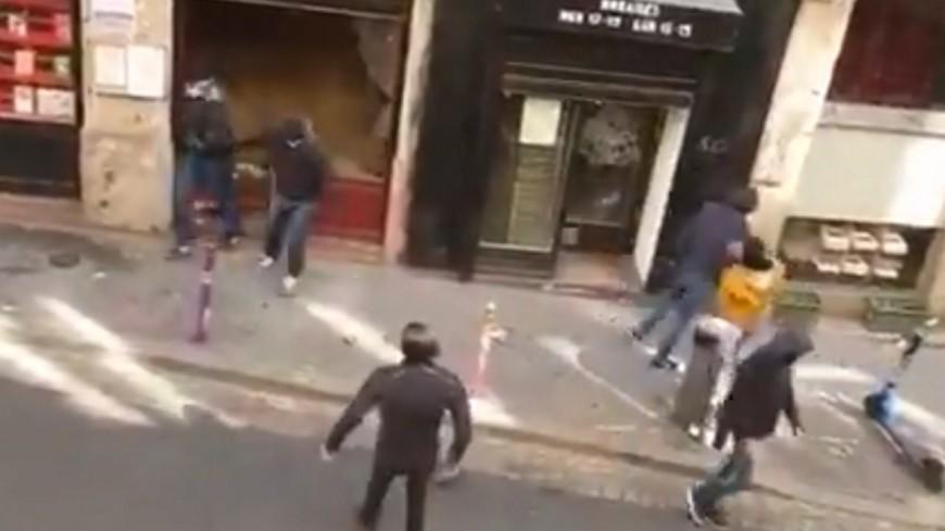 Lyon : une librairie de la Croix-Rousse prise pour cible par des militants d'extrême droite ?