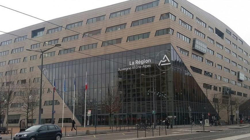 Lyon : les lycées et l'Hôtel de Région mis à disposition pour accélérer la campagne de vaccination