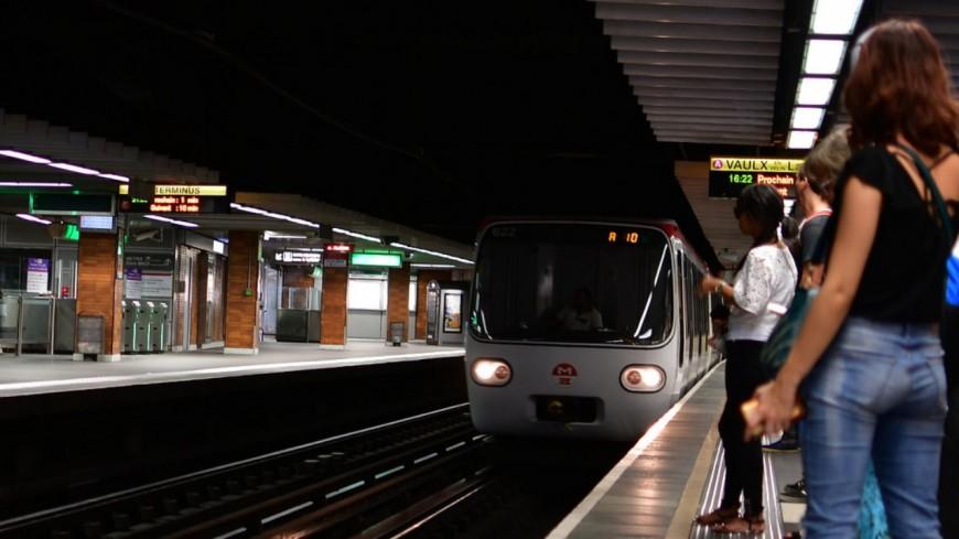 Confinement à Lyon : une offre TCL réduite dès mardi, les lignes desservant les zones de loisirs renforcées