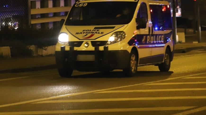 Près de Lyon : il frappe sa conjointe devant leurs trois enfants
