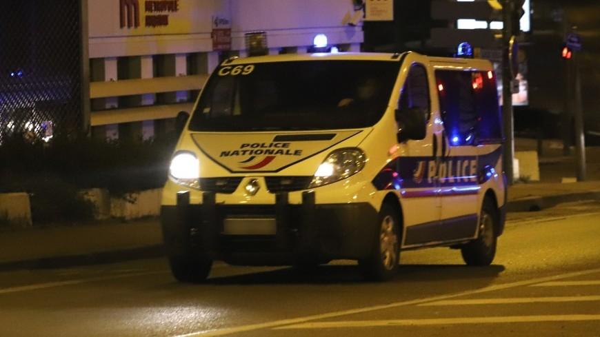 Décines-Charpieu : un homme violent armé d'un hachoir menace la police