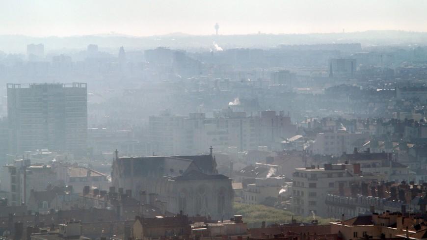 Des feux d'agriculteurs à l'origine d'un nouvel épisode de pollution à Lyon
