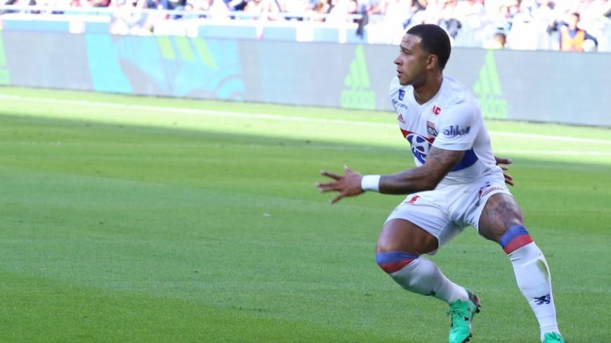 Ligue 1 : l'OL s'impose contre Angers et reste au contact du trio de tête (3-0)