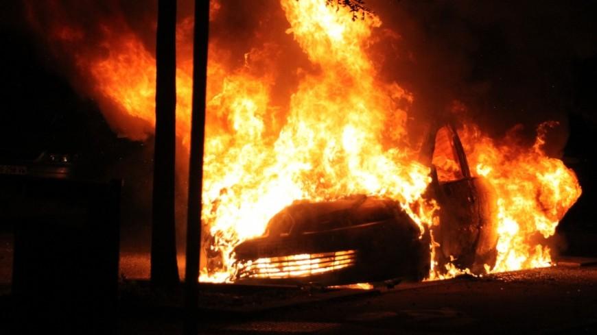 Un automobiliste sauvé de sa voiture en feu par quatre CRS lyonnais