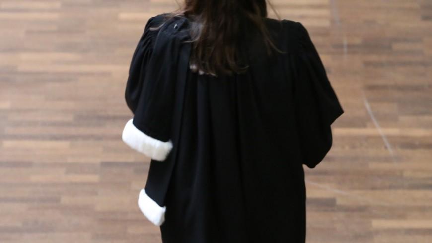 Près de Lyon : prison ferme pour la jeune femme qui avait volé les chéquiers de ses parents et de son papy décédé