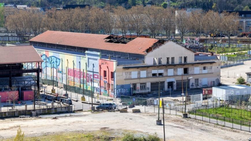 """Lyon : la Halle Caoutchouc (Confluence) transformée en """"bulle verdoyante"""""""