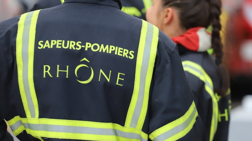 Saint-Laurent de Mure : un camion bétonnière prend feu sur une bretelle d'autoroute