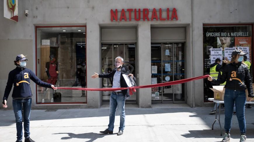 Lyon : Alternatiba s'en prend à Naturalia à cause de son partenariat avec Amazon