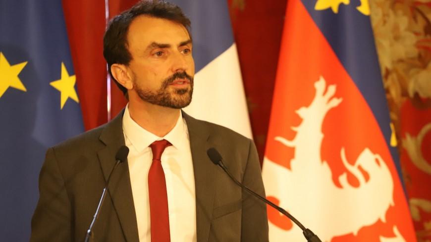 Le maire de Lyon Grégory Doucet va prendre un congé paternité et laisser provisoirement sa place