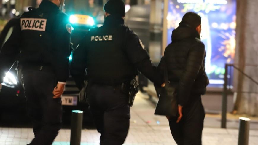 Lyon : un policier fait une lourde chute en tentant d'interpeller un adolescent qui ne respectait pas le couvre-feu