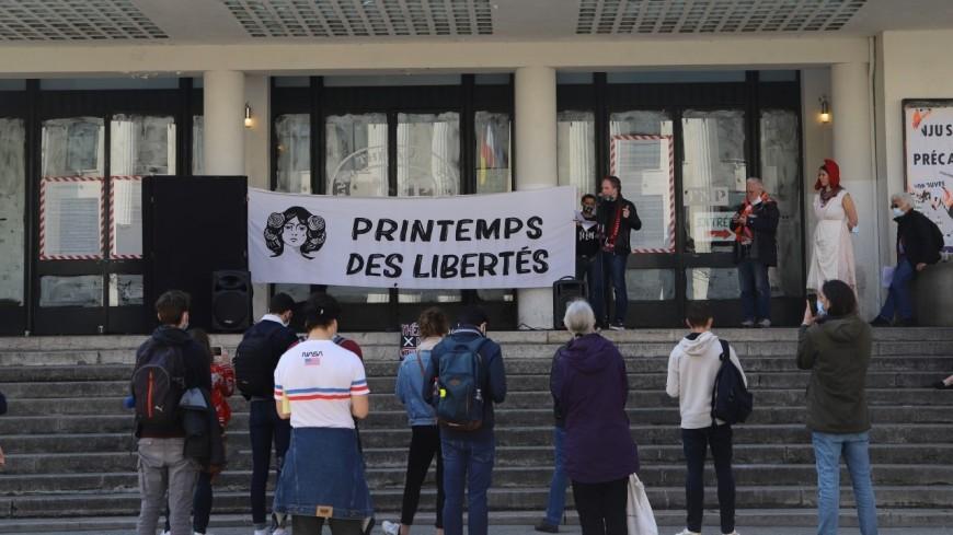"""Villeurbanne : plusieurs collectifs saisissent le Conseil Constitutionnel contre la loi """"sécurité globale"""""""