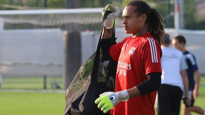 OL : le jeune gardien Kayne Bonnevie signe son premier contrat professionnel