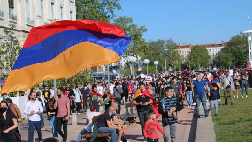 Lyon : 700 Arméniens mobilisés pour commémorer le génocide et dénoncer la situation au Haut-Karabagh