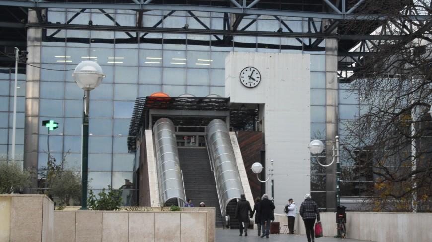 Lyon : l'ado sans ticket TCL prend la fuite puis donne un coup de poing au contrôleur qui le rattrape