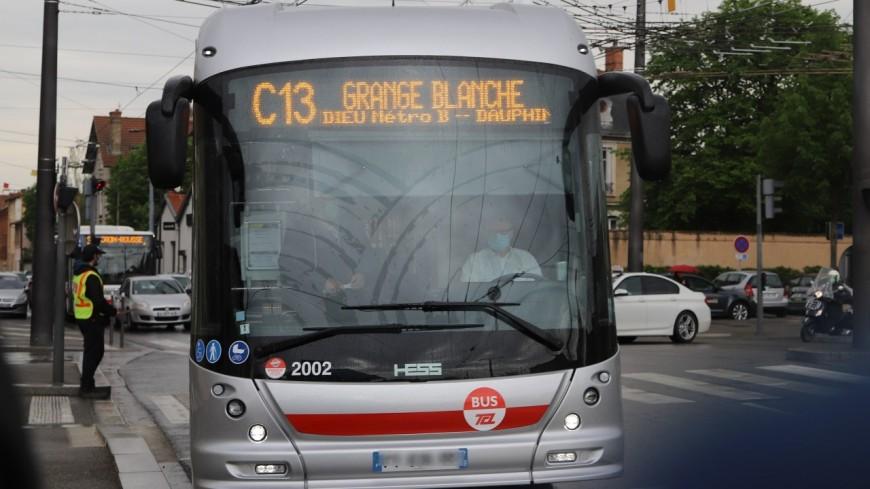 """Il est désormais possible de relier Lyon à Caluire avec un trolleybus """"nouvelle génération"""" 100% électrique"""