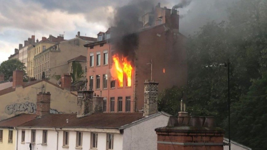 Lyon : il y a un an, les pompiers luttaient trois jours contre l'incendie montée Bonafous