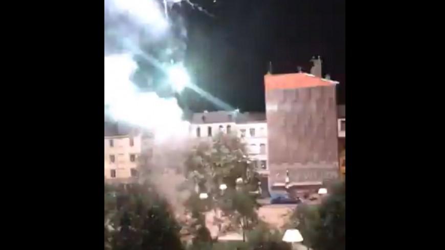 Lyon : un feu d'artifice tiré en pleine nuit dans le centre-ville et revendiqué par l'ultragauche