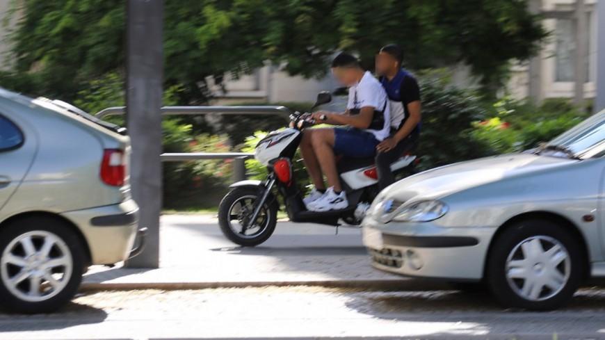 Lyon : à trois sur un scooter volé, ils filment la voiture de police qui tente de les arrêter
